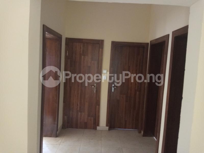 3 bedroom Blocks of Flats House for rent Adebiyi st, alagomeji, sabo Alagomeji Yaba Lagos - 3