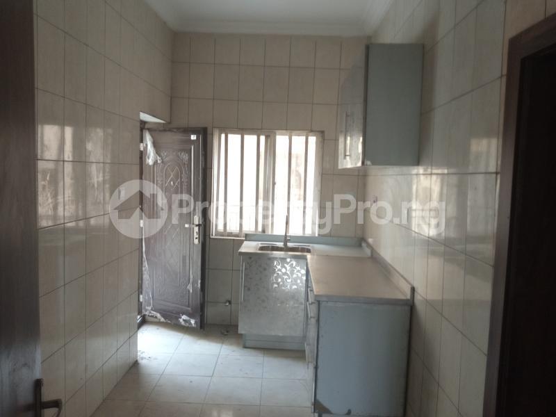 3 bedroom Blocks of Flats House for rent Adebiyi st, alagomeji, sabo Alagomeji Yaba Lagos - 2