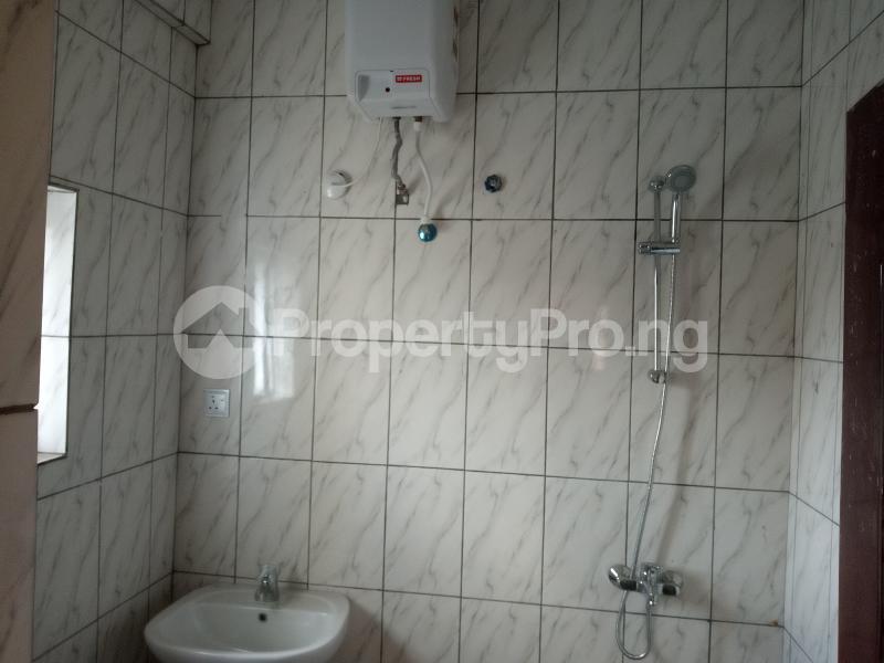 3 bedroom Blocks of Flats House for rent Adebiyi st, alagomeji, sabo Alagomeji Yaba Lagos - 5