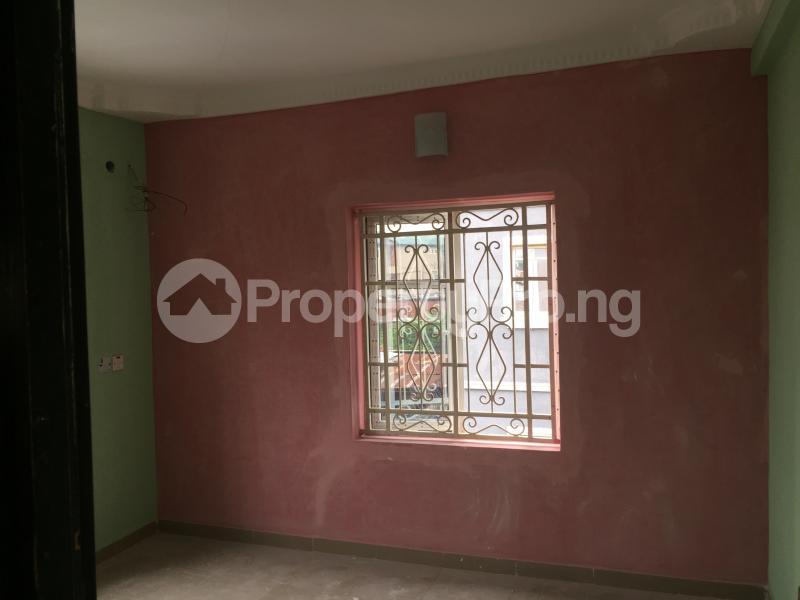 3 bedroom Flat / Apartment for rent ALAKA  Abule-Ijesha Yaba Lagos - 4