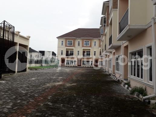4 bedroom Terraced Duplex House for rent off circle mall road,  Osapa london Lekki Lagos - 9