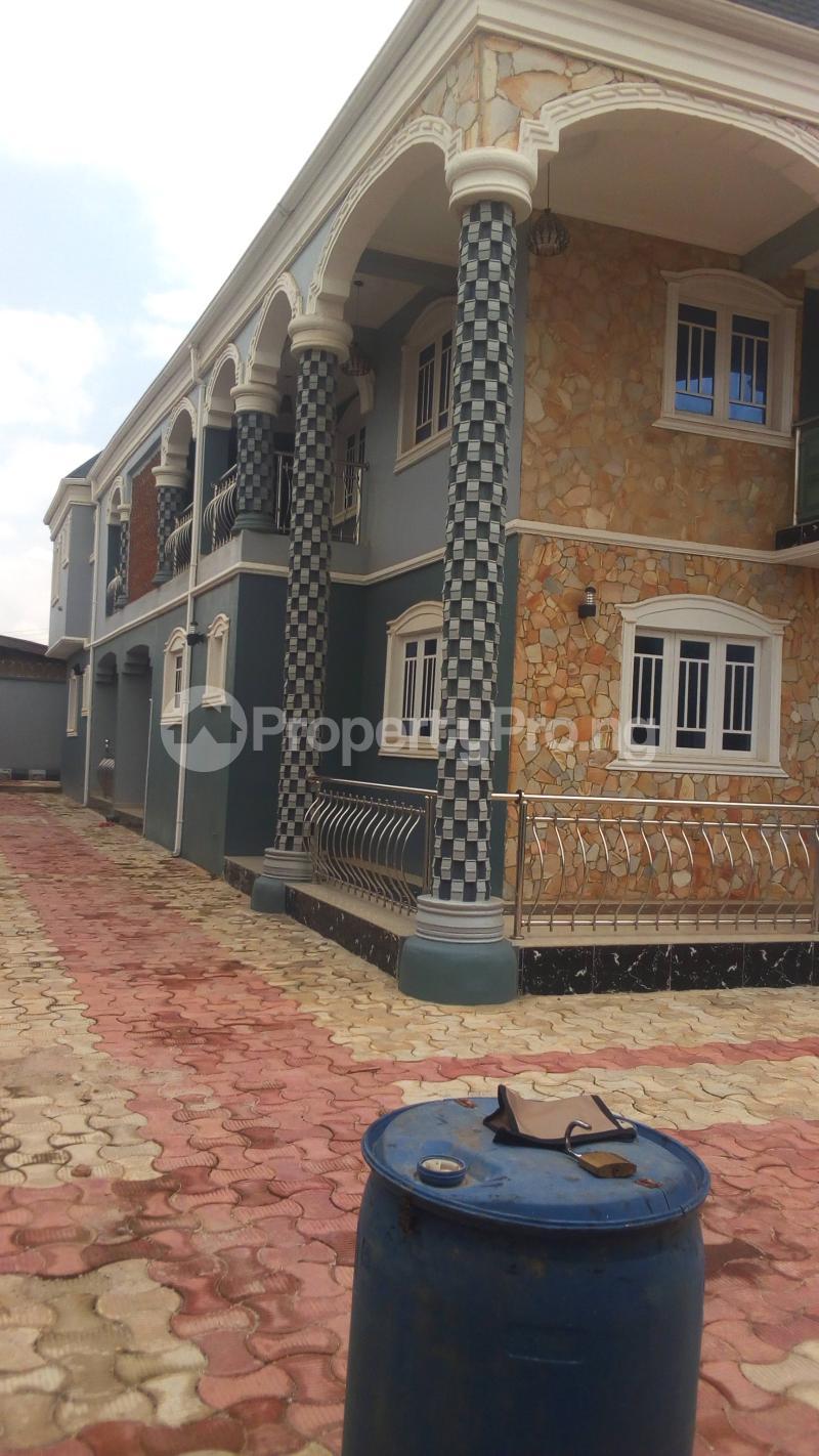 9 bedroom Flat / Apartment for sale N0 3 Badmus Close  Alakia Ibadan Oyo - 0