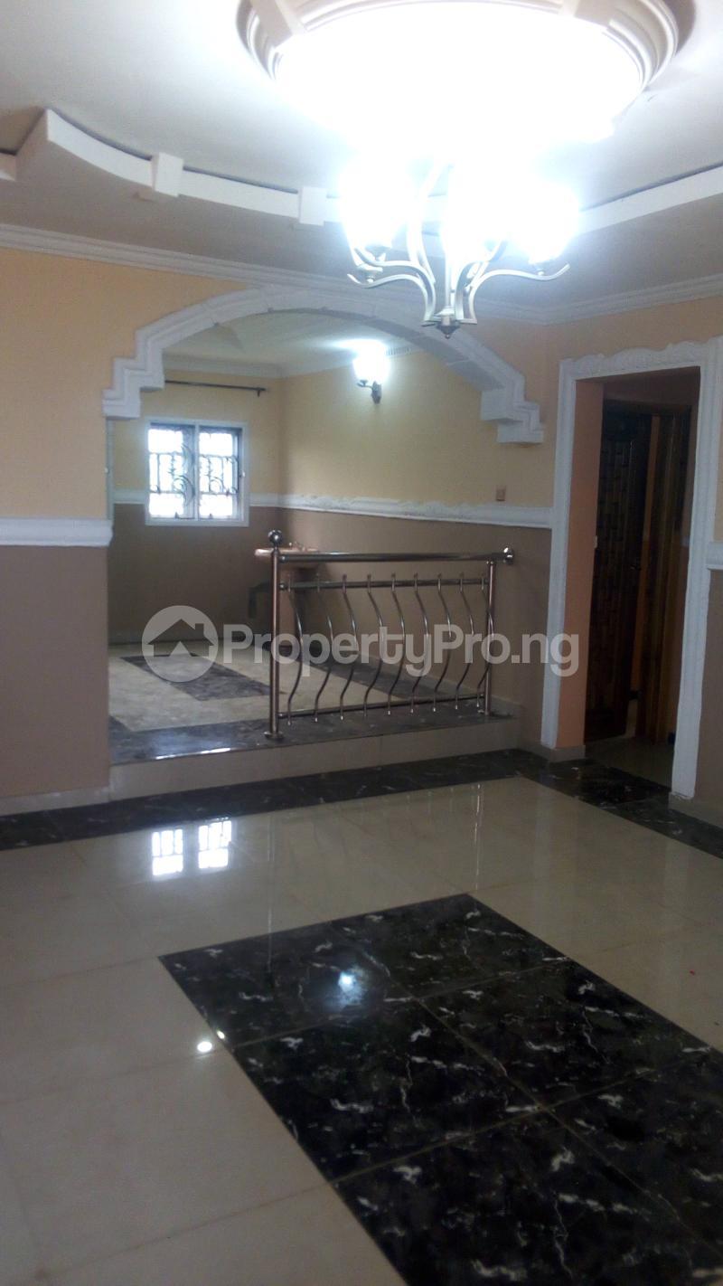 9 bedroom Flat / Apartment for sale N0 3 Badmus Close  Alakia Ibadan Oyo - 2