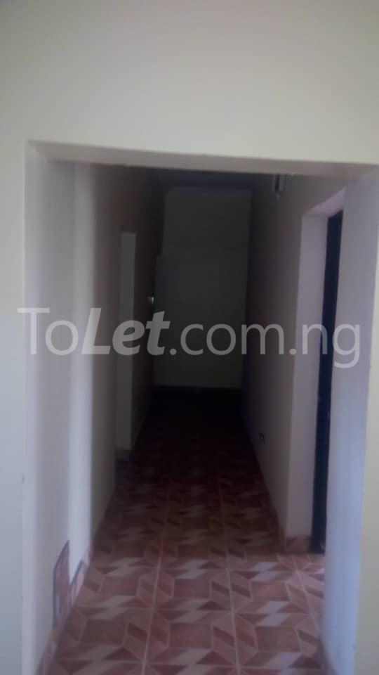 3 bedroom Mini flat Flat / Apartment for rent Sharp corner Oluyole Estate Ibadan Oyo - 3