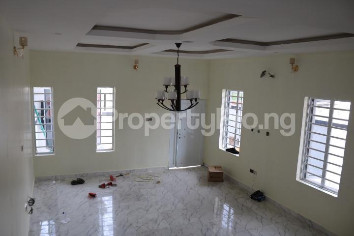 4 bedroom Semi Detached Duplex House for sale Canal West Estate Osapa london Lekki Lagos - 10