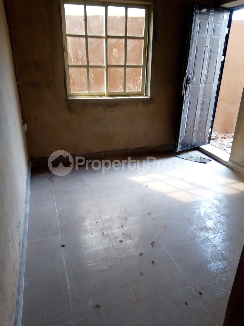 Flat / Apartment for rent Nathan street  Ojuelegba Surulere Lagos - 2
