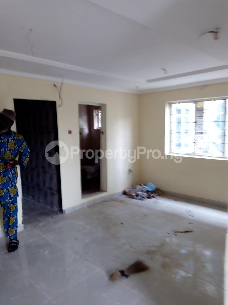 1 bedroom mini flat  Mini flat Flat / Apartment for rent Off apata road  Shomolu Shomolu Lagos - 2
