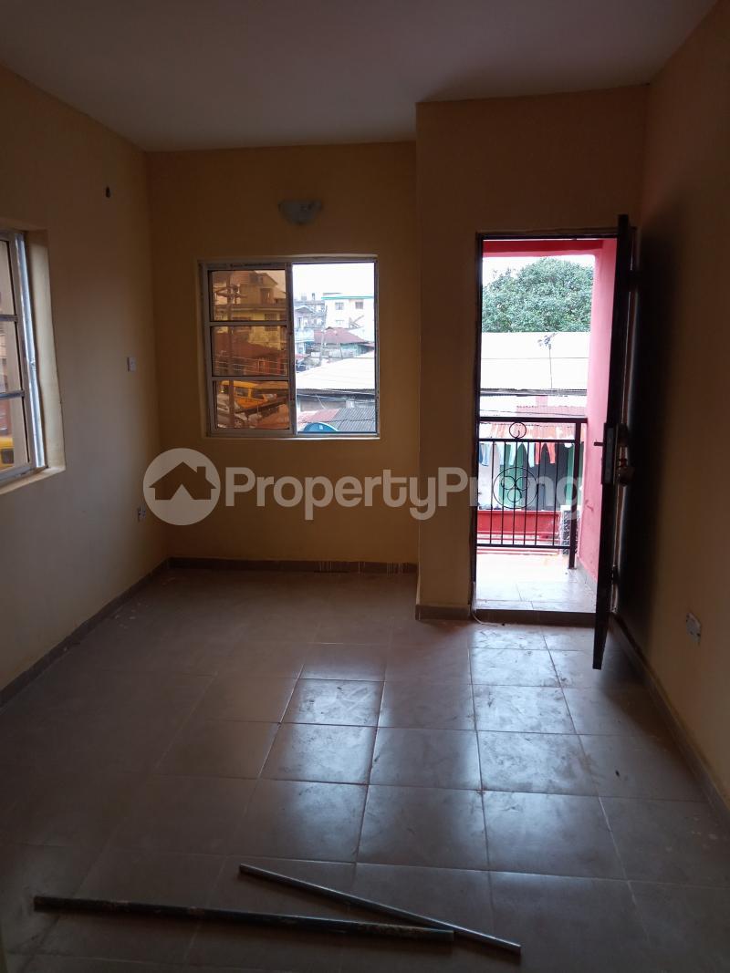 1 bedroom mini flat  Self Contain Flat / Apartment for rent Bajulaiye Fola Agoro Yaba Lagos - 5