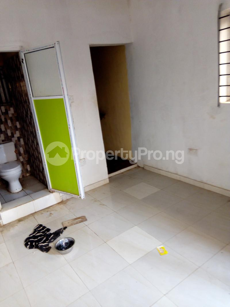 1 bedroom mini flat  Self Contain Flat / Apartment for rent Abdul street  Abule-Oja Yaba Lagos - 4