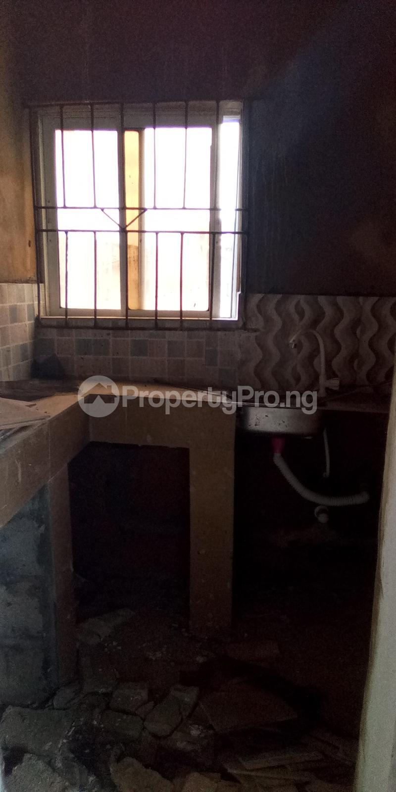 Self Contain Flat / Apartment for rent Abule Oja Abule-Oja Yaba Lagos - 4