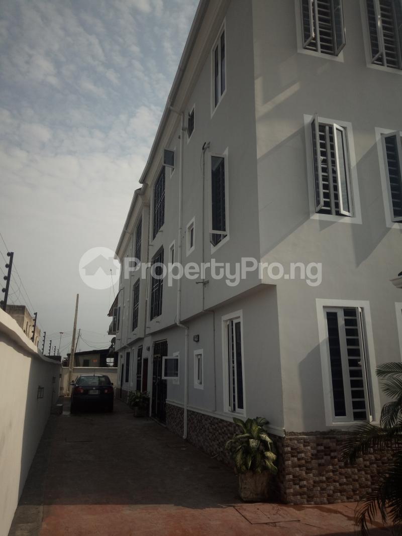 3 bedroom Flat / Apartment for rent By JOSLAND Hotel,Gbagada Ifako-gbagada Gbagada Lagos - 1