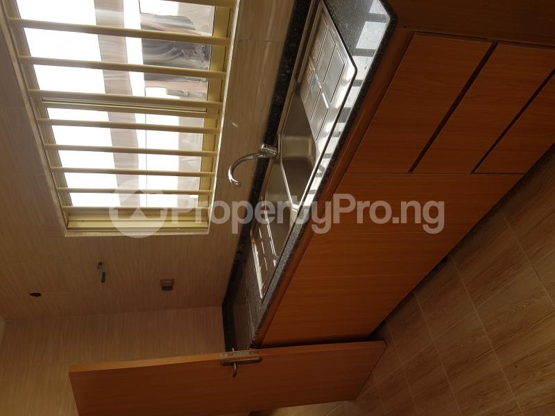 4 bedroom Detached Bungalow House for rent Off Olufemi Street  Ogunlana Surulere Lagos - 13