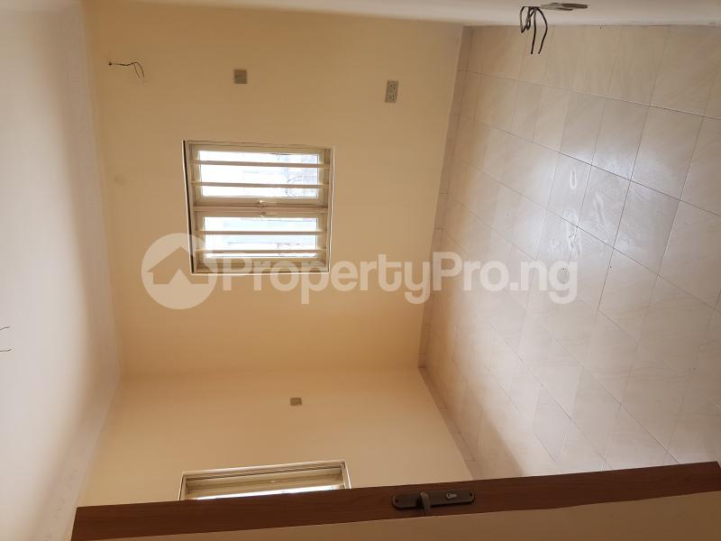 4 bedroom Detached Bungalow House for rent Off Olufemi Street  Ogunlana Surulere Lagos - 10