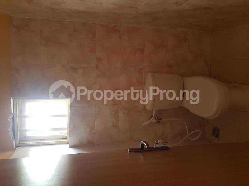 4 bedroom Detached Bungalow House for rent Off Olufemi Street  Ogunlana Surulere Lagos - 8