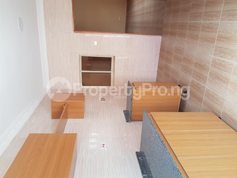 4 bedroom Detached Bungalow House for rent Off Olufemi Street  Ogunlana Surulere Lagos - 14