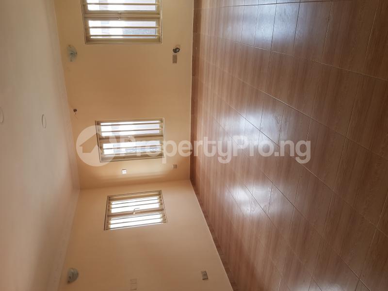 4 bedroom Detached Bungalow House for rent Off Olufemi Street  Ogunlana Surulere Lagos - 11