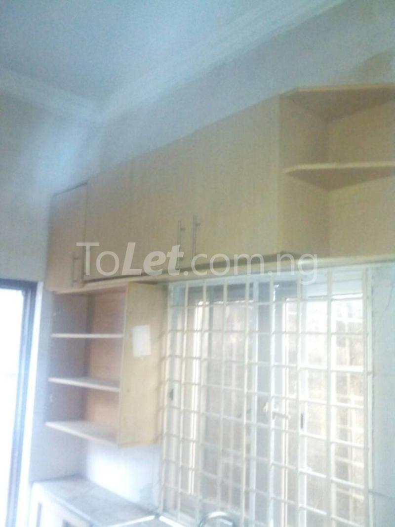 2 bedroom Detached Bungalow House for rent Ekololu street Itire Surulere Lagos - 3