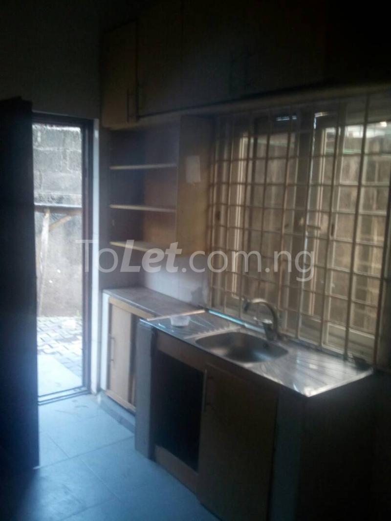 2 bedroom Detached Bungalow House for rent Ekololu street Itire Surulere Lagos - 4