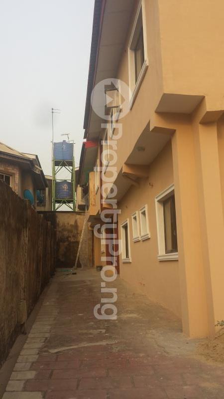 2 bedroom Flat / Apartment for rent . Ifako-gbagada Gbagada Lagos - 11