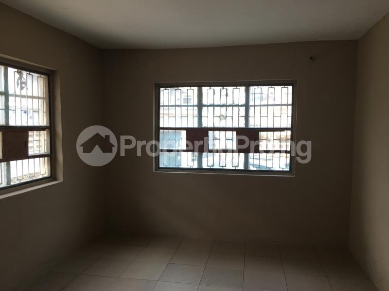 3 bedroom Flat / Apartment for rent 20 Obayan street Akoka Yaba Lagos - 4