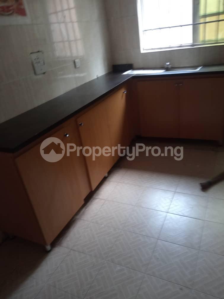 3 bedroom Blocks of Flats House for rent iyana cele podo New garage  Ibadan Oyo - 4
