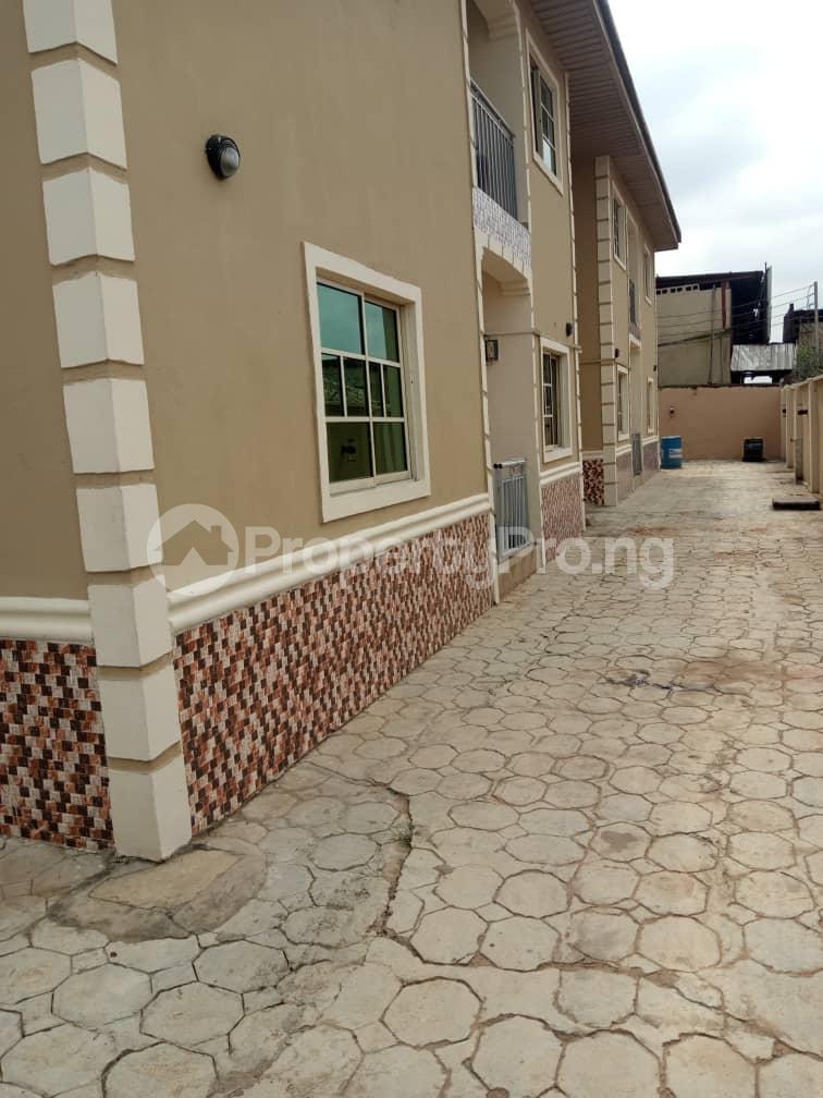 3 bedroom Blocks of Flats House for rent iyana cele podo New garage  Ibadan Oyo - 5