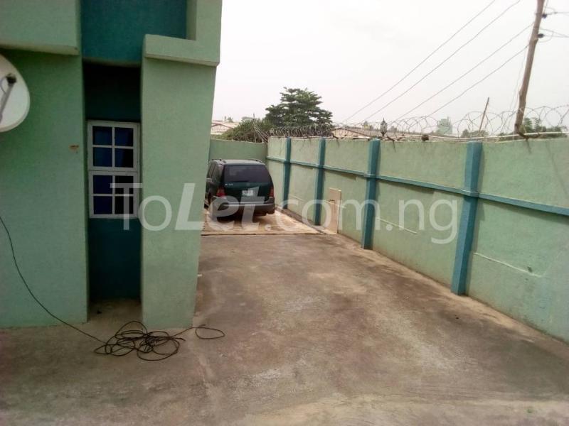 10 bedroom Flat / Apartment for sale Akala express close to Church Baba  Oluyole Estate Ibadan Oyo - 2