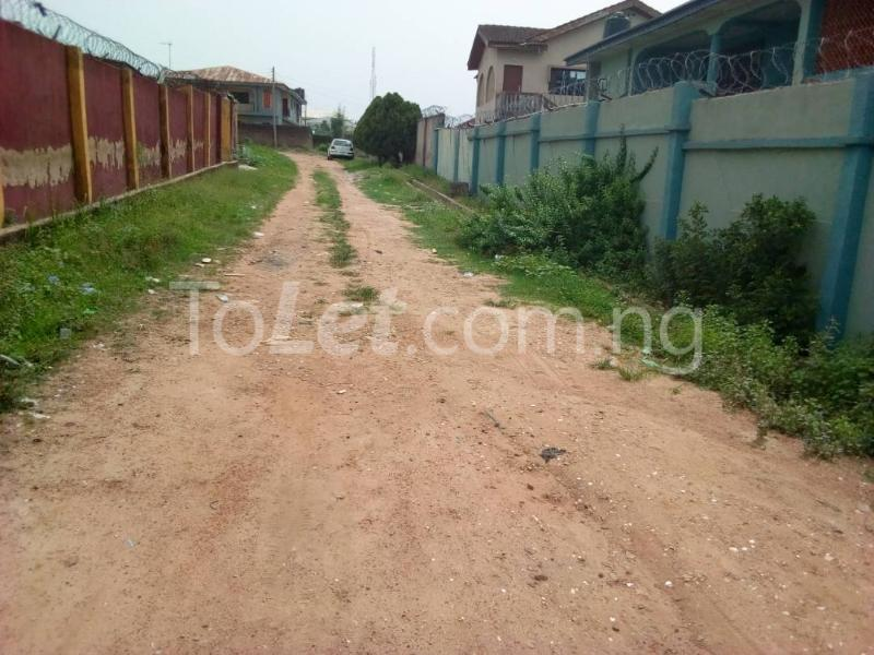 10 bedroom Flat / Apartment for sale Akala express close to Church Baba  Oluyole Estate Ibadan Oyo - 3