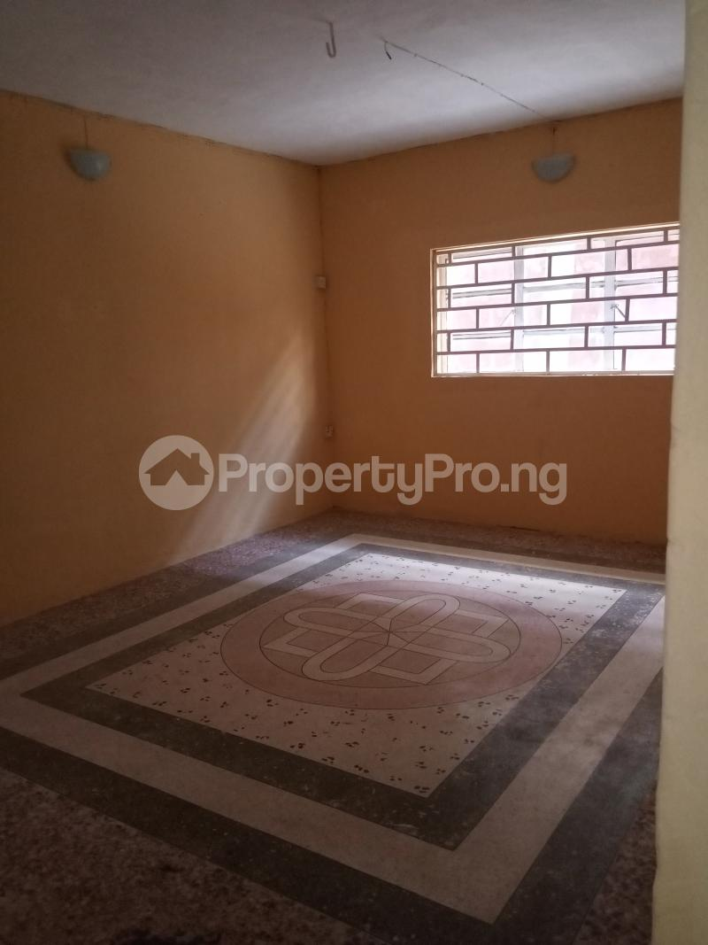 3 bedroom Flat / Apartment for rent Shomolu Shomolu Lagos - 10