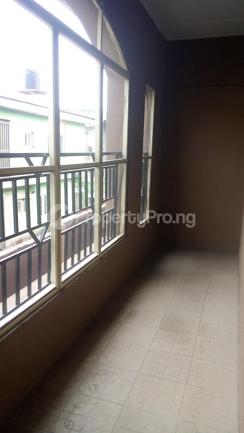 3 bedroom Flat / Apartment for rent Medina Estate Atunrase Medina Gbagada Lagos - 9
