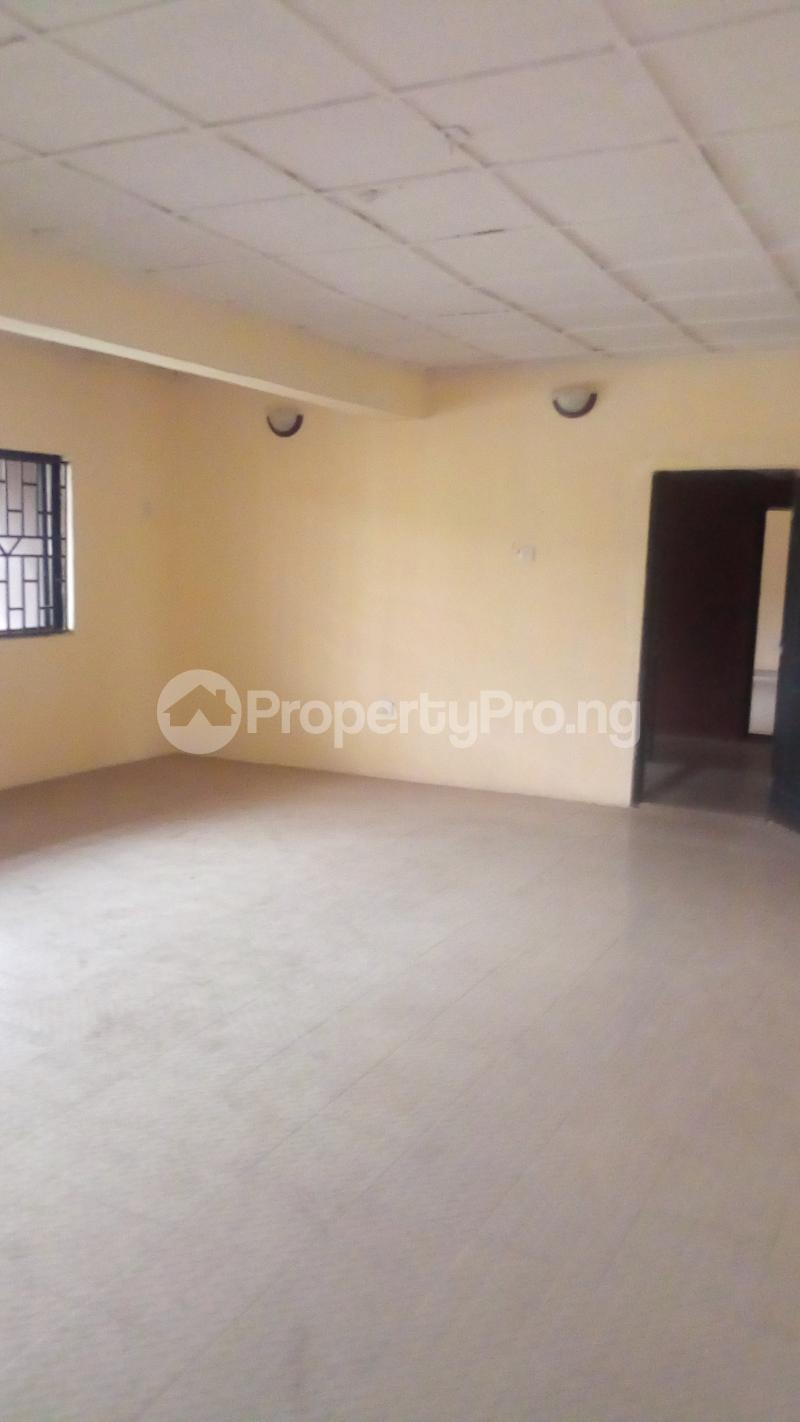 3 bedroom Flat / Apartment for rent Medina Estate Atunrase Medina Gbagada Lagos - 7