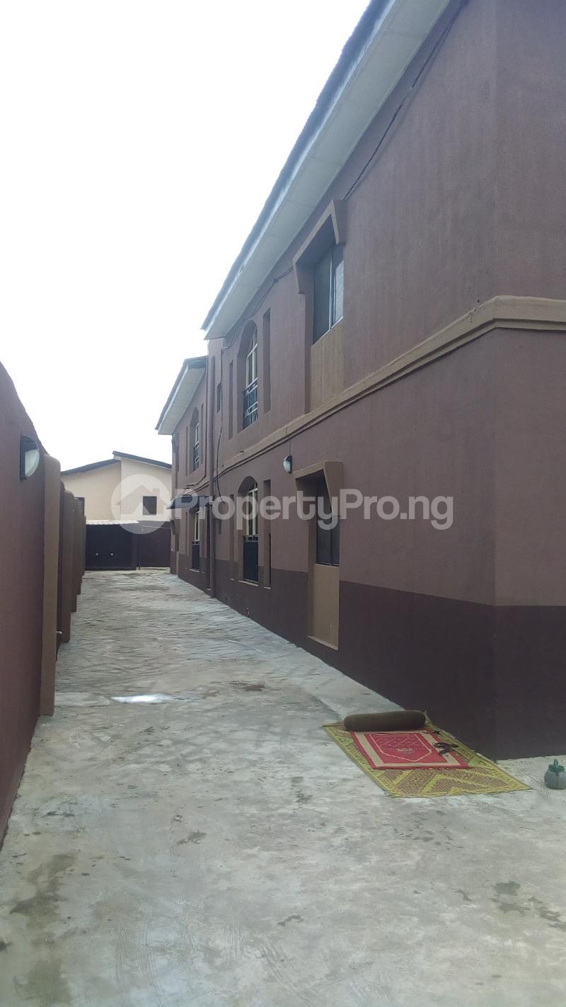 3 bedroom Flat / Apartment for rent Medina Estate Atunrase Medina Gbagada Lagos - 0