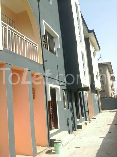 2 bedroom Flat / Apartment for rent Morgan estate ojodu opp omole phase 1 ikeja lagos Ikeja Lagos - 6