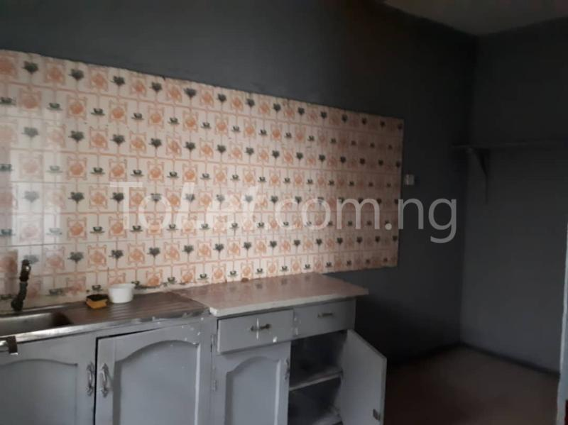 3 bedroom Flat / Apartment for rent Off sura mogaji Coker Road Ilupeju Lagos - 2