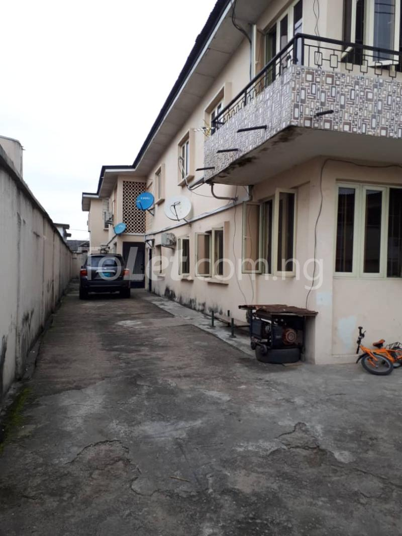3 bedroom Flat / Apartment for rent Off sura mogaji Coker Road Ilupeju Lagos - 0
