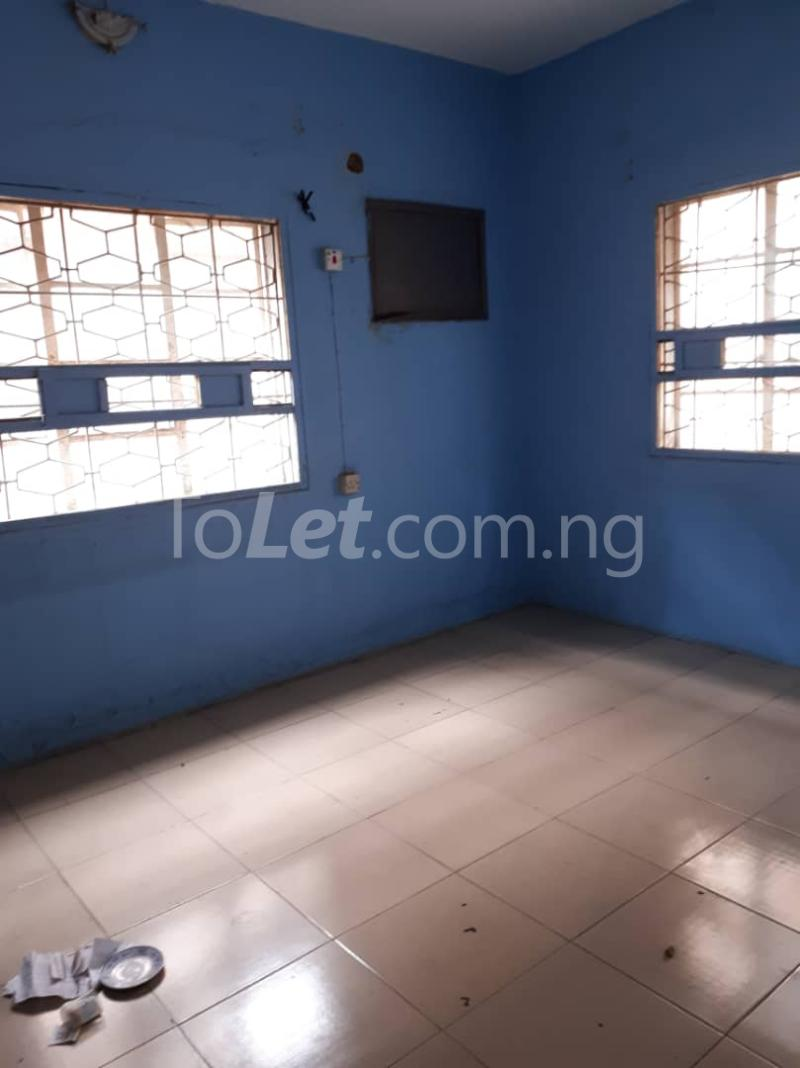 3 bedroom Flat / Apartment for rent Off sura mogaji Coker Road Ilupeju Lagos - 6