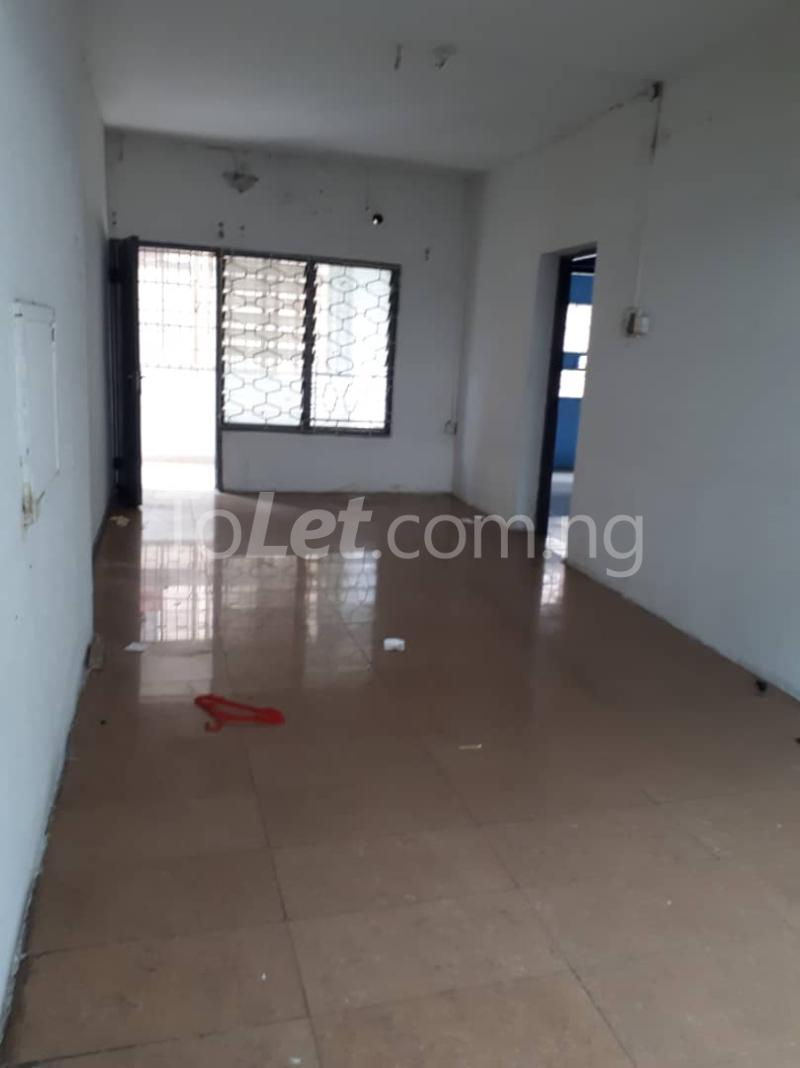 3 bedroom Flat / Apartment for rent Off sura mogaji Coker Road Ilupeju Lagos - 1