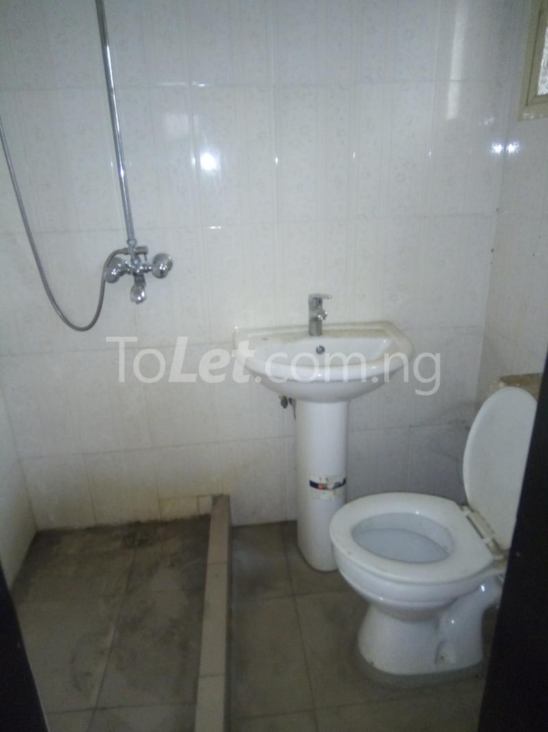 3 bedroom Flat / Apartment for rent Modupe street off Fola Agoro  Shomolu Shomolu Lagos - 5