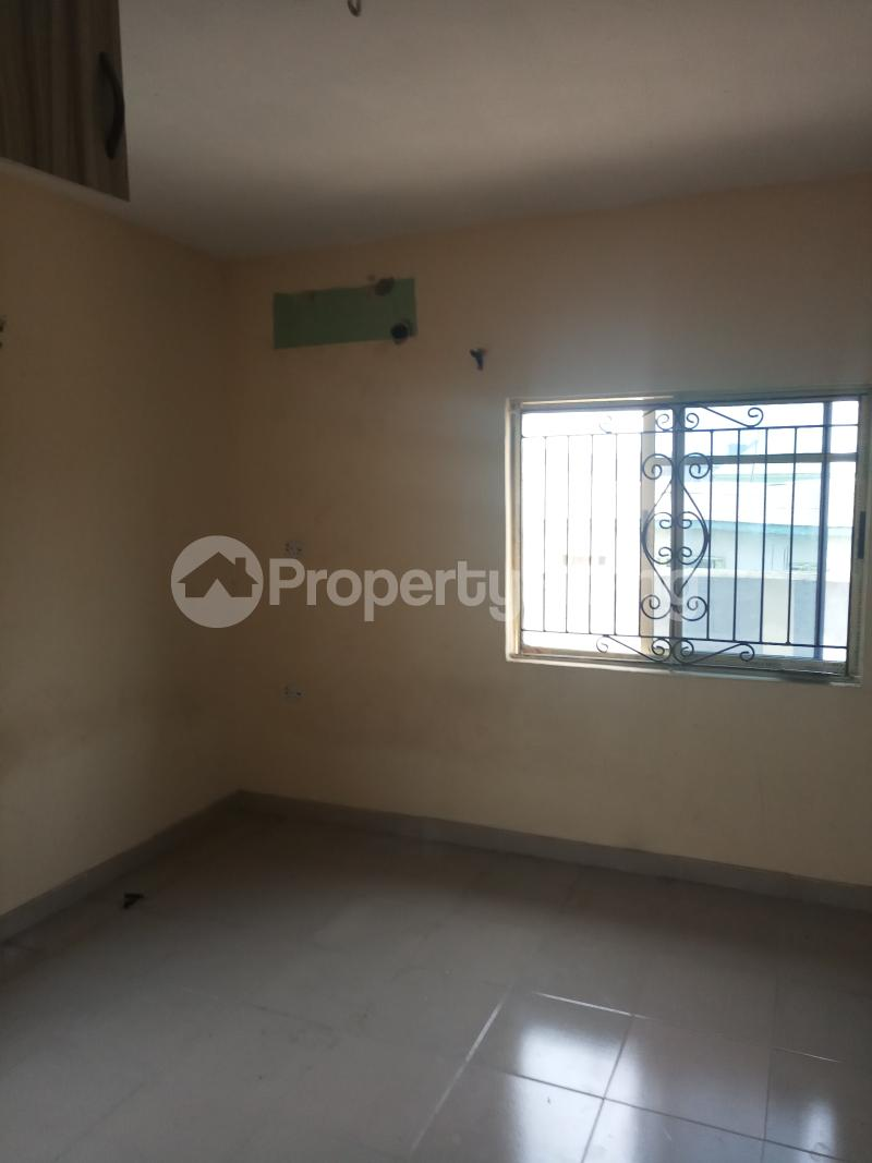 3 bedroom Flat / Apartment for rent Dogo majekodunmi street Soluyi Gbagada Lagos - 2