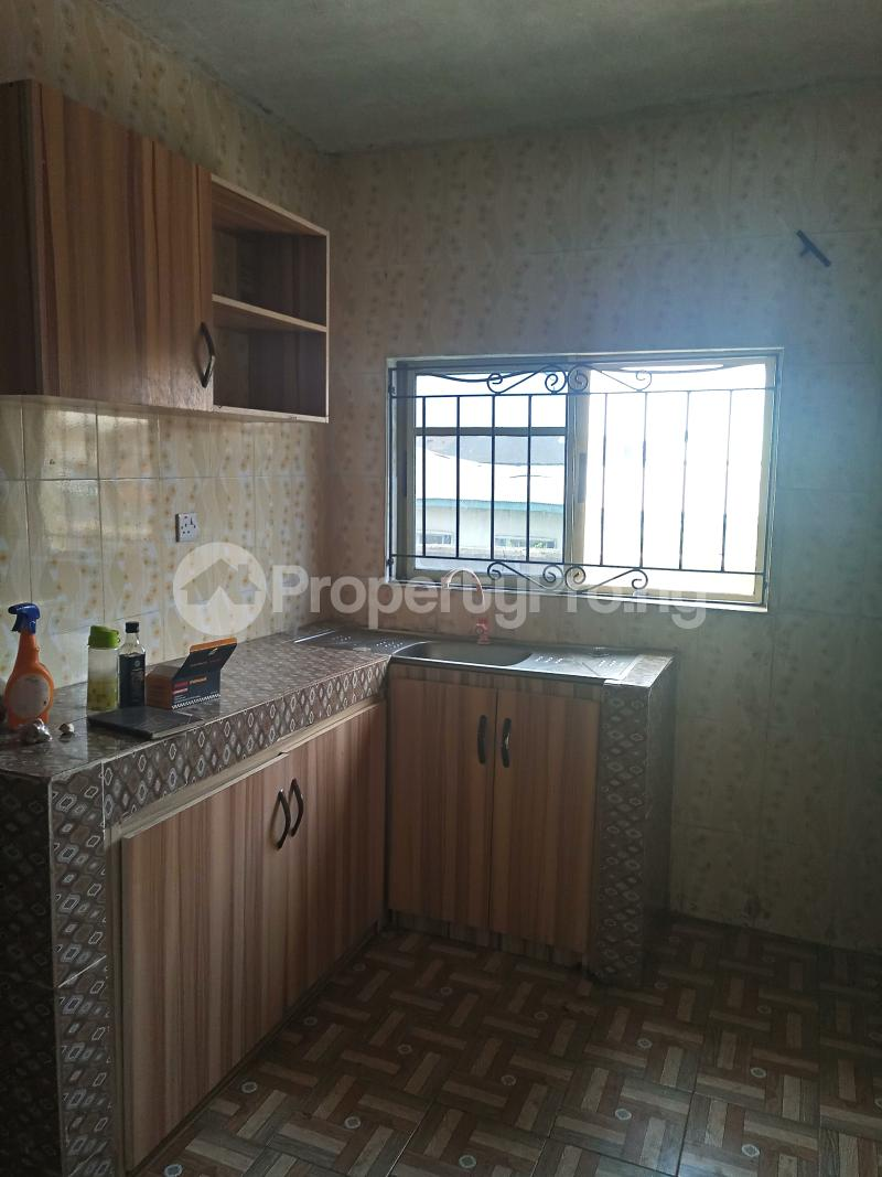 3 bedroom Flat / Apartment for rent Dogo majekodunmi street Soluyi Gbagada Lagos - 6