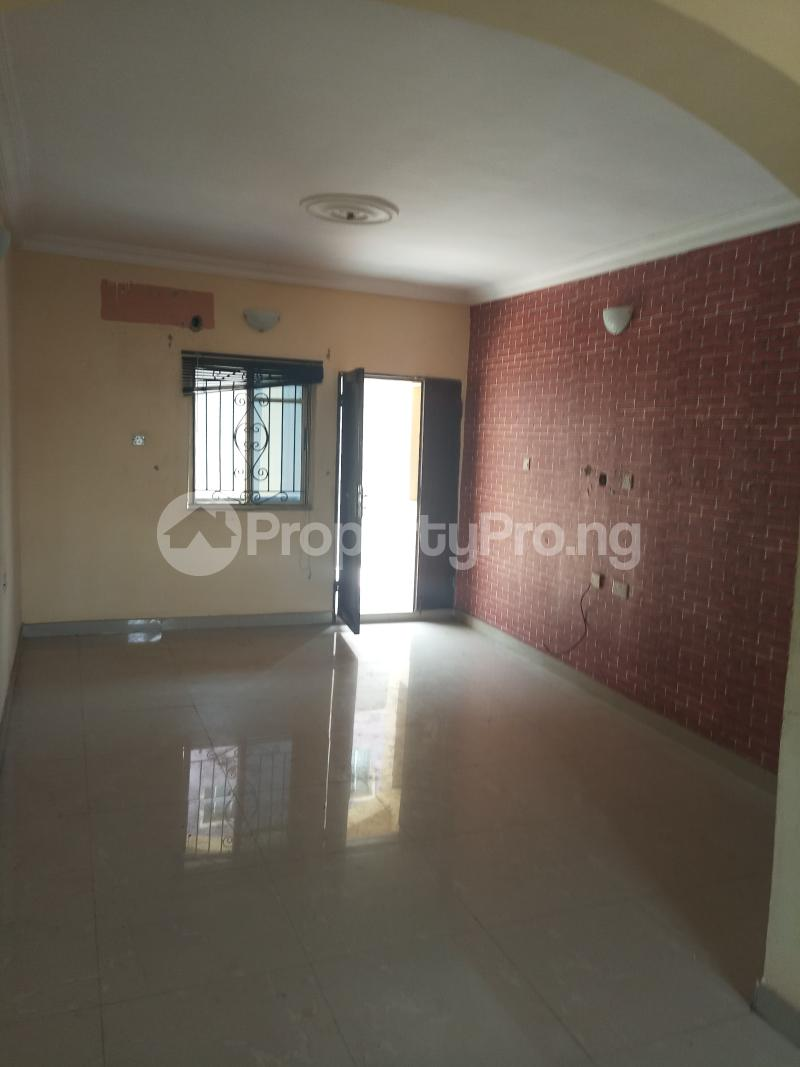 3 bedroom Flat / Apartment for rent Dogo majekodunmi street Soluyi Gbagada Lagos - 5