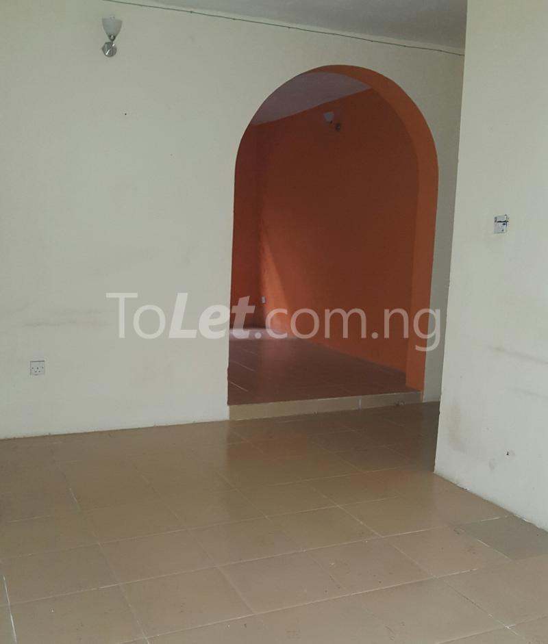 3 bedroom Flat / Apartment for rent Off Adelabu Adelabu Surulere Lagos - 2