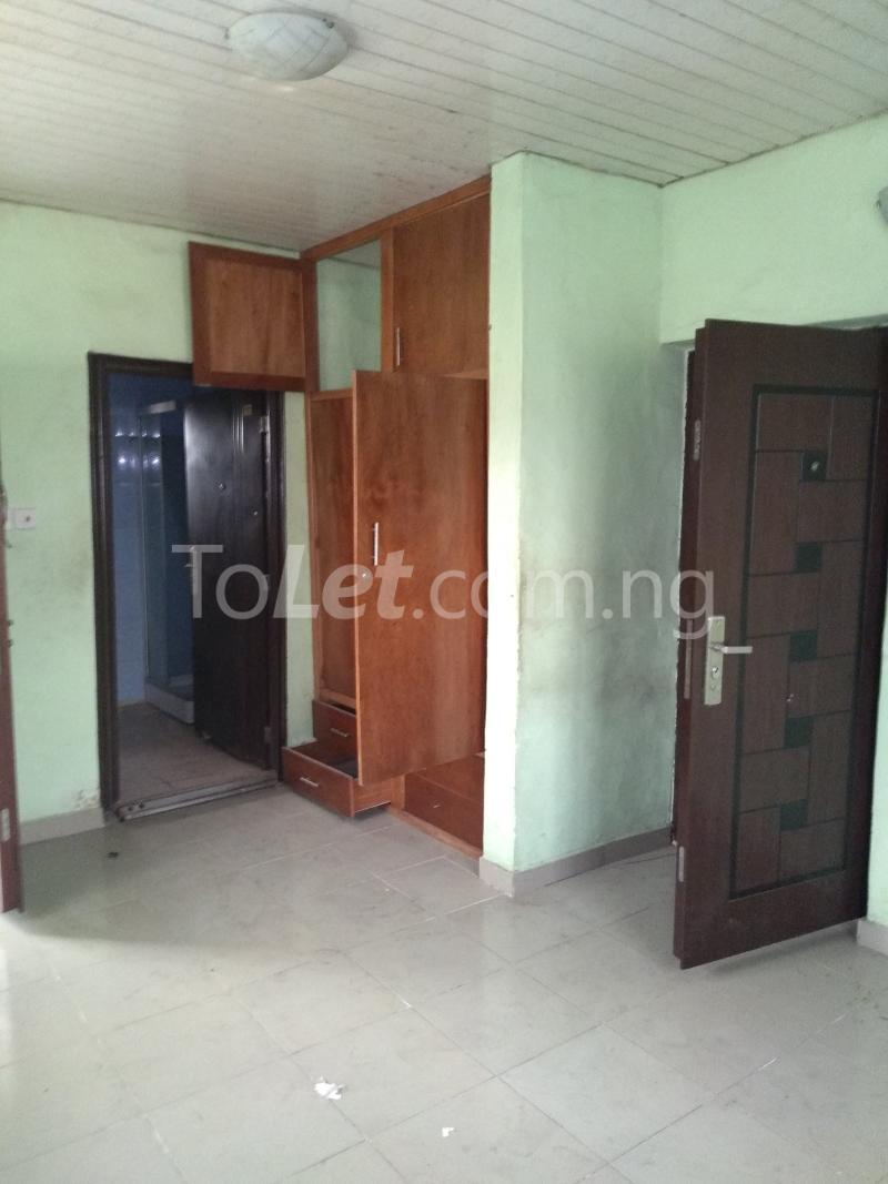 3 bedroom House for rent Akinola Street Fadeyi Shomolu Lagos - 6