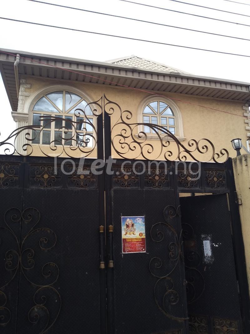 3 bedroom House for rent Akinola Street Fadeyi Shomolu Lagos - 0