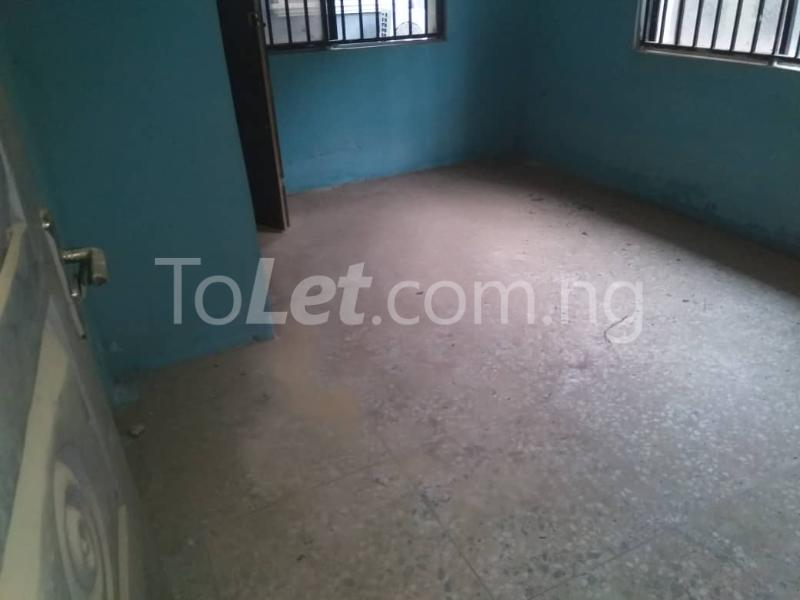 3 bedroom Flat / Apartment for rent Off Enoma Junction Ago palace Okota Lagos - 5
