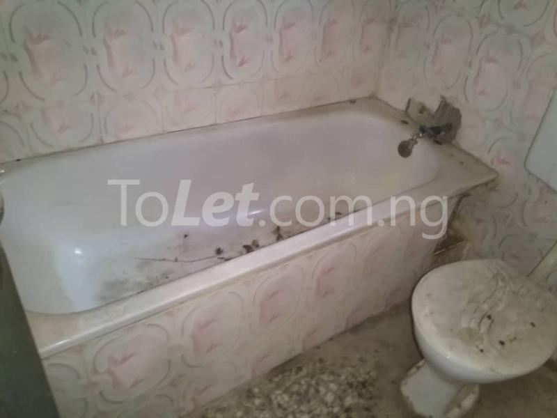3 bedroom Flat / Apartment for rent Off Enoma Junction Ago palace Okota Lagos - 7