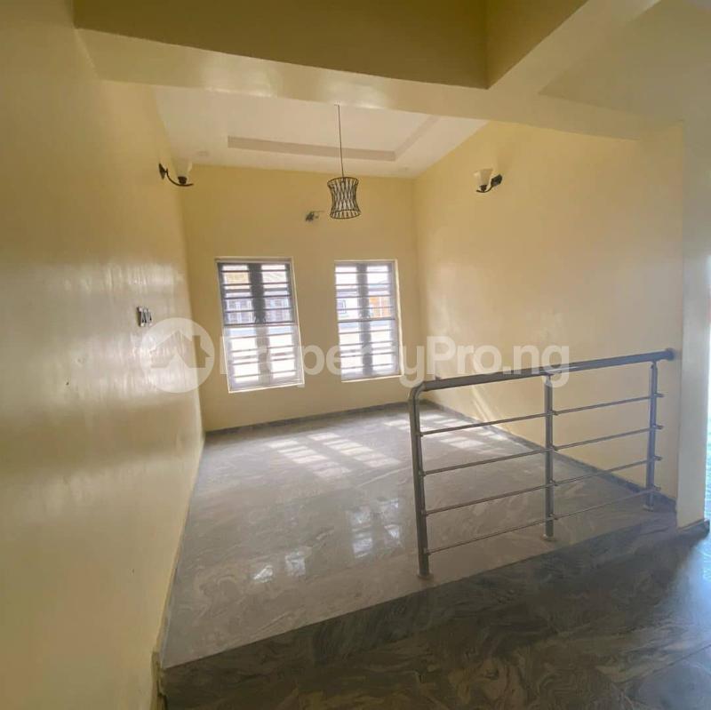 4 bedroom Semi Detached Duplex House for sale Ologolo Lekki Lagos - 7