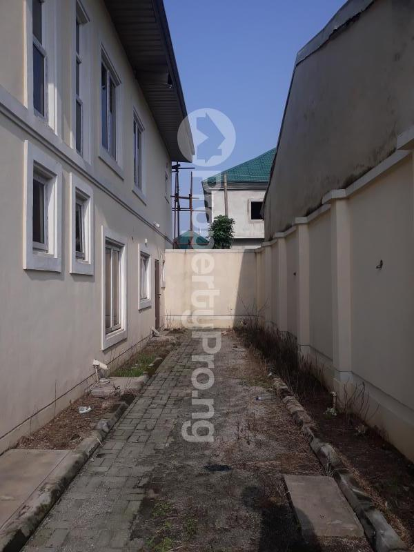 8 bedroom Office Space Commercial Property for rent Off Olusegun Obasanjo way  Wuse 1 Abuja - 2