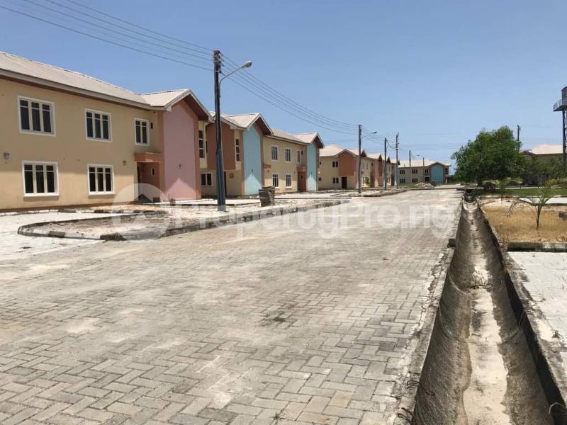 3 bedroom Semi Detached Bungalow House for sale Abijo GRA, Off Lekki-Epe Expressway, Ajah, Lagos Abijo Ajah Lagos - 5