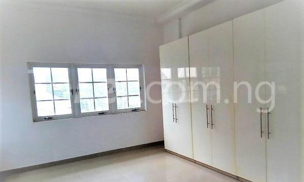 4 bedroom Shared Apartment Flat / Apartment for rent  Olamijuyin Parkview Estate Ikoyi Lagos - 3